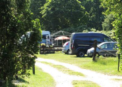 ingangsbereich und Parkplatz Camping Godau